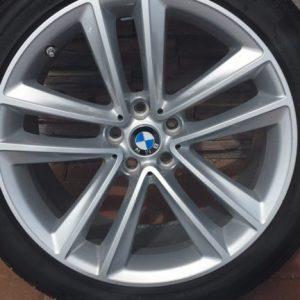 BMW G Sorozat Gyári 19 Alufelni gumikkal